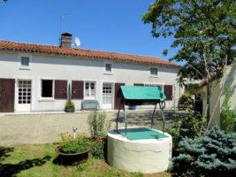 Vendee – 6 Bed Longere. Flexible Living Accommodation, Gites & Pool
