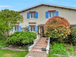Poitou-Charentes: Impressive Home, Extensive Gardens & Pool